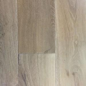 Wide hardwood floors in Colorado