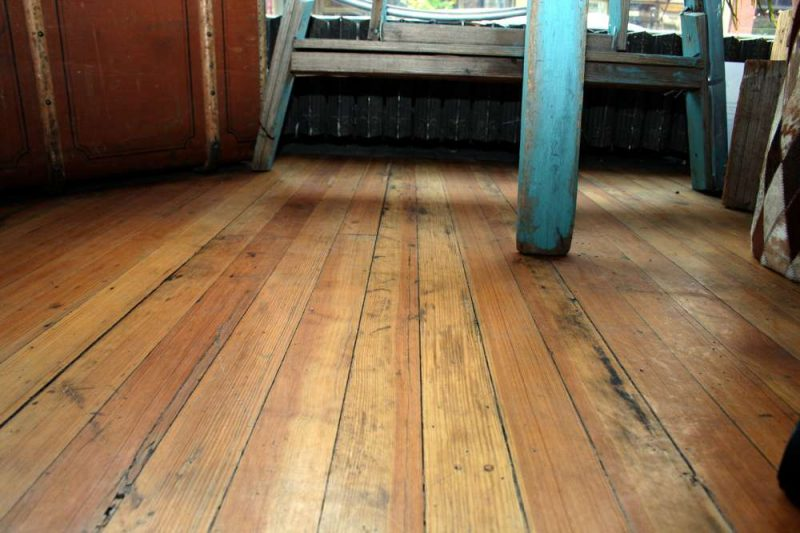 Replacing a damaged plank in your hardwood floors t g for Replacing hardwood floors