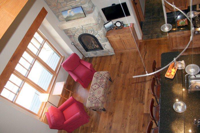 Hardwood Floors Still Dominate The Living Room T Amp G