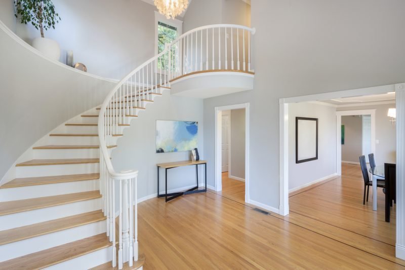 Why You Should Choose Hardwood Over Laminate Flooring T